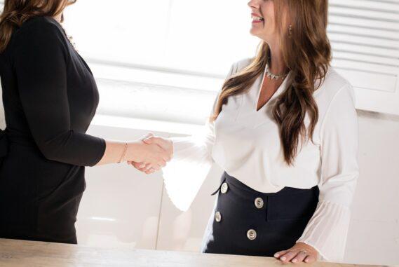 Jövőmunkahelye partner irodánkkal együttműködve összekötjük az álláskeresőket a munkavállalókkal