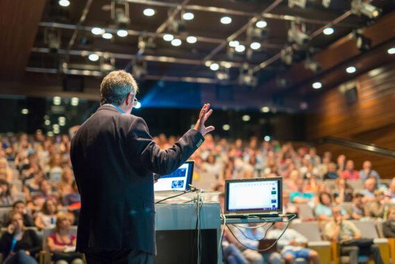 Konferenciaszervezés egyedi képzési igények alapján is